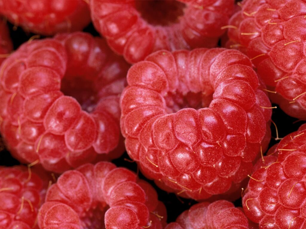 Ягода - малина! Полезная и ценная ягода!